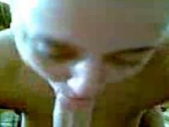 eleva de clasa 12-a din targoviste suge cabanosu si se fute