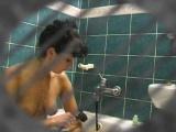 camera ascunsa cu o matura in baie singura